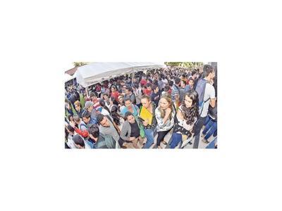 Maratón de Empleos atrajo a  3.000 personas para llenar 757 vacancias
