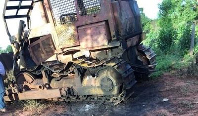Confirman quema de tractor en Tacuati