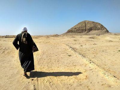 El oasis egipcio de El Fayún y sus imponentes pirámides