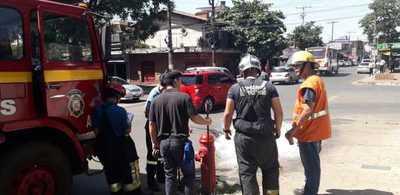 Hidrante para carros de bomberos de zona del mercado no está operativo
