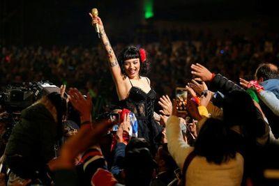 Festival de Viña del Mar cierra imbuido en la crisis social de Chile