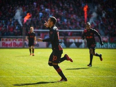 Óscar, Kaku y Amarilla aportan goles en el exterior