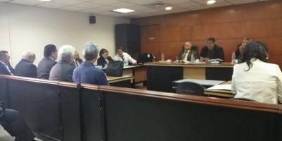 Inicia juicio contra Camilo Soares
