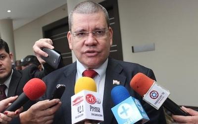 """""""Gracias a Dios"""" todos los candidatos a la Corte son colorados, afirma Barrios"""