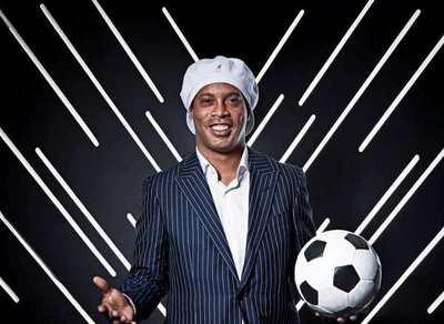 Ronaldinho Gaúcho llega a Paraguay para presentar proyecto solidario