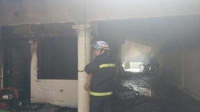 Vivienda arde en llamas en Capiatá