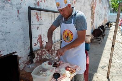 """""""Asadito Castillo"""" se hace conocer como una delicia en Tacumbú"""
