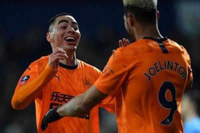 Almirón brilla en todo su esplendor y clasifica al Newcastle en FA Cup