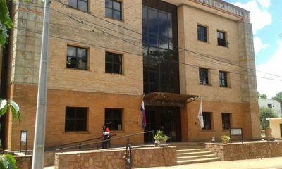 Asistente fiscal que denunció acoso de fiscal adjunto, asegura que recibe amenaza de despido