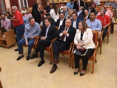 Mario Abdo no acepta hablar con Cartes y se respalda en Alderete