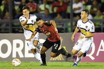 Boca no pasa de un pálido empate ante Caracas