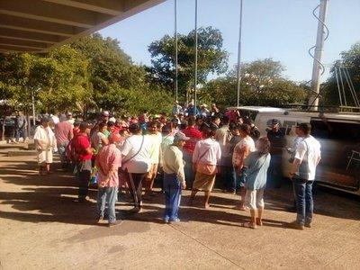 Cuidacoches exigen audiencia con intendente de Asunción