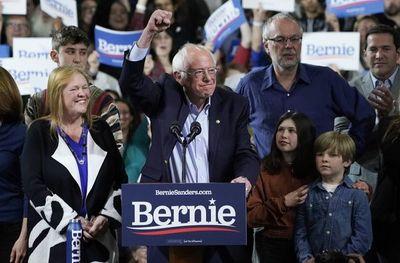 Sanders lidera cómodamente las primarias de California