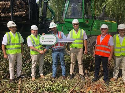 Kurosu & Cía entregó en Caazapá el primer equipo John Deere de aplicación forestal en Paraguay