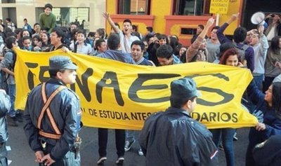 Estudiantes secundarios marchan este jueves por destitución de Petta