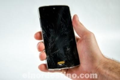 Analizamos si conviene arreglar el celular que tenemos o si sería mejor comprar uno nuevo