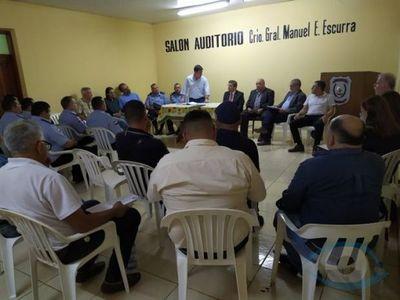 Autoridades se reúnen con periodistas para brindar respaldo en la frontera