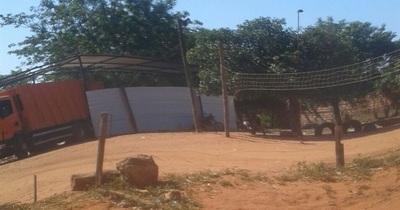 Vertedero clandestino: aclaran que camión compactador no pertenece a la municipalidad