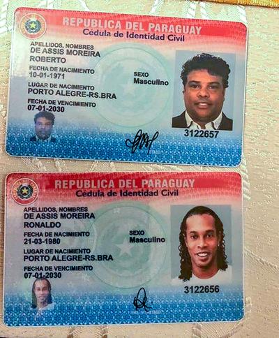 Ronaldinho Gaúcho es investigado por uso de documentos falsos