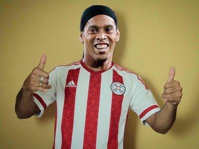 Las redes no se hicieron esperar: Los memes sobre Ronaldinho