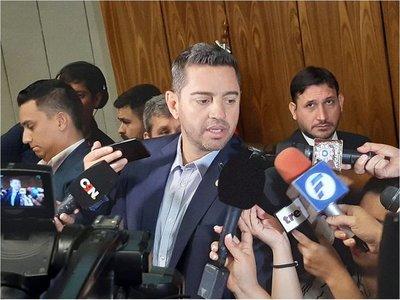 """Velázquez lanza guiño a Alliana para ser el """"candidato de consenso"""""""