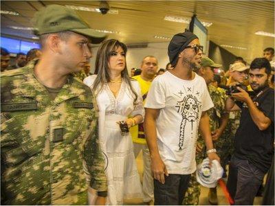 SET: Empresaria que trajo a Ronaldinho es investigada por evasión fiscal y lavado de dinero