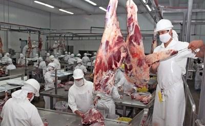 Temen que el coronavirus afecte la producción de carne en el país