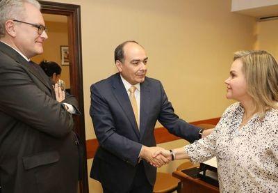 Cancillería considera vender sedes de embajadas