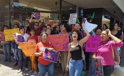 HOY / Marcha de mujeres del 8M este año avanza para decir basta a la violencia económica
