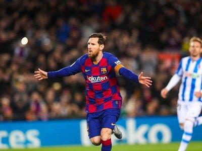 El Barça rescata el liderato con un penal de VAR