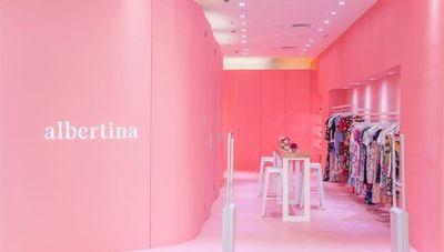 La marca de ropa Albertina apuesta por la inclusión laboral de microempresarias