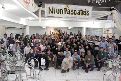 En convención de Cruzada Nacional deciden expulsar a Miguel Martínez