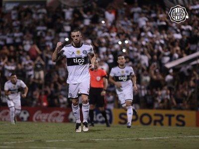 Crecen cuestionamientos contra Alejandro Silva
