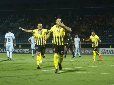 Representantes paraguayos, en acción por Copa Libertadores