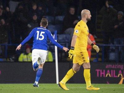 Un error de Reina encarrila la goleada del Leicester
