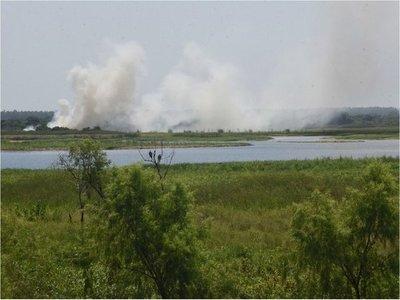 Basura, quema y remoción de suelo van matando a la  Bahía de Asunción