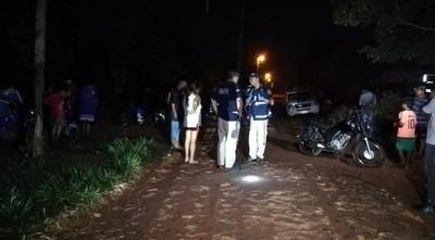 Mujer muere de dos balazos en la cabeza en pelea vecinal