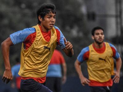 Cerro Porteño descarta a cuatro futbolistas para recibir a Libertad