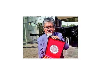 Ministro justifica cuestionada    salida de  Moncho Azuaga