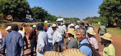 Sesameros cierran ruta en Arroyito por precio pactado
