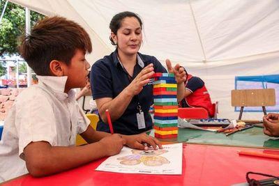 Asisten a niños y adultos indígenas de la zona de la Terminal