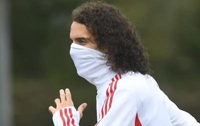 Futbolistas del Arsenal están en cuarentena por coronavirus