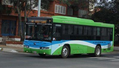 Buses con aire acondicionado deben mantener temperatura en 25 grados