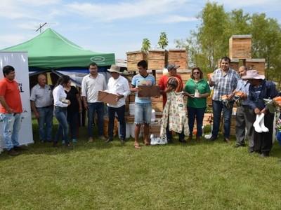 Más familias de Misiones acceden a proyectos productivos con apoyo de la EBY