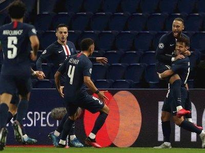 El PSG rompe el maleficio de los octavos en un estadio desierto
