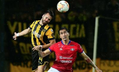 HOY / El Peñarol de Forlán supera a Wilstermann en Montevideo