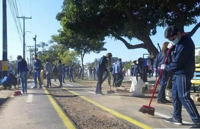 """""""Ña Mopotĩ Luque"""", a cargo de estudiantes •"""