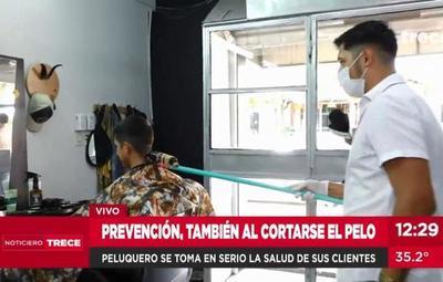 "Peluquero ""anti coronavirus"" en Mariano"