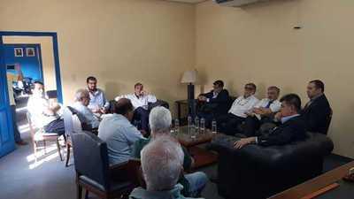 Médicos afiliados al PLRA se reúnen con Alegre para analizar situación del Coronavirus
