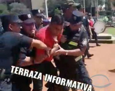 José Carlos Acevedo ordena la detención del luchador social Néstor Echeverria